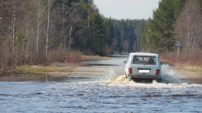 ВАлтайском крае перекрыли дорогу из-за подтопления