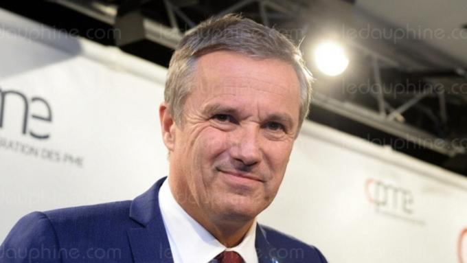 Кандидат впрезиденты Франции Дюпон-Эньян пообещал выслать всех террористов кАнтарктиде