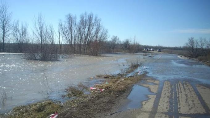 Почетырем дорогам вАлтайском крае перекрыто движение из-за подтоплений