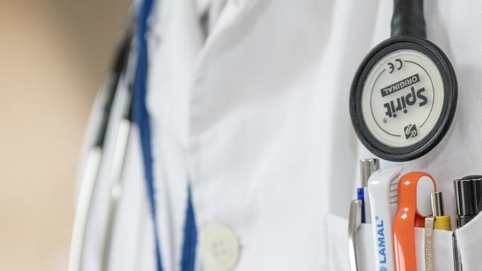 Жители России стали чаще плакаться наплатную медицину