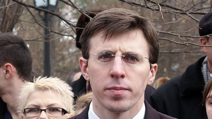Мэру Кишинёва дали премию «Бездельник ивредитель года», вручив резиновые сапоги