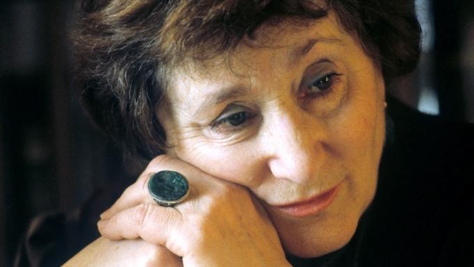 Скончалась писательница Елена Ржевская, участвовавшая впоисках тела Гитлера