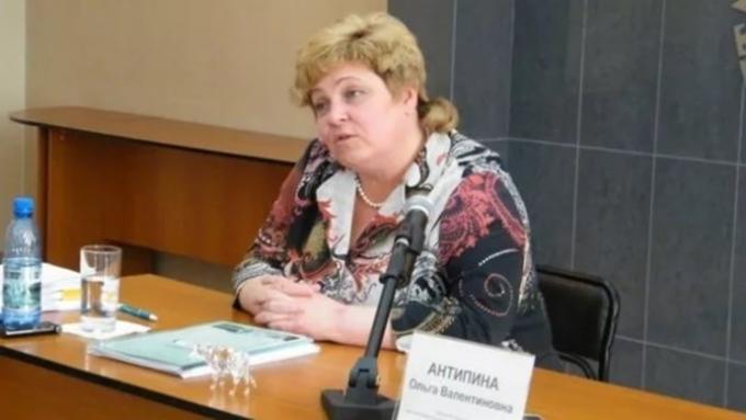 Экс-глава «Изумрудной страны» Ольга Антипина скрывается отсуда в«ДАРе»