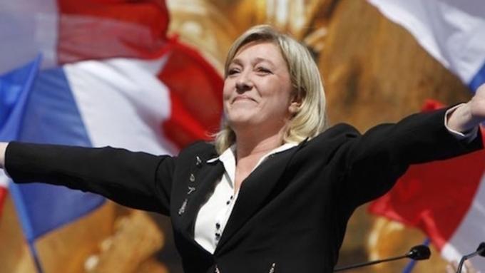 «Евро мертв»: ЛеПен хочет вернуть Франции национальную валюту