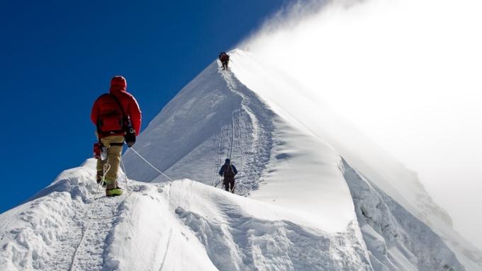 МЧС считает опасной акцию новосибирских альпинистов вгорах Алтая