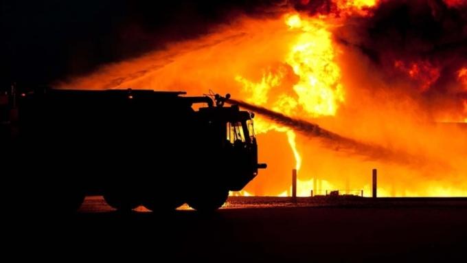Потушен крупный пожар вкрасноярском поселке, где сгорело восемь строений