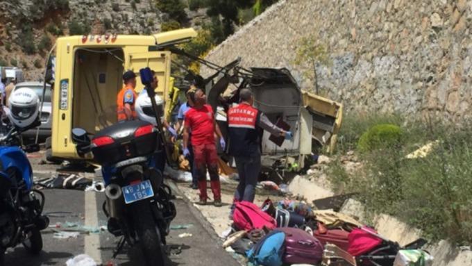 Жертвами ДТП савтобусом вТурции стали 20 человек