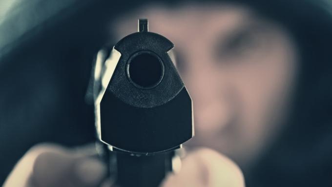 Насевере столицы неизвестный выстрелил в гостя кафе