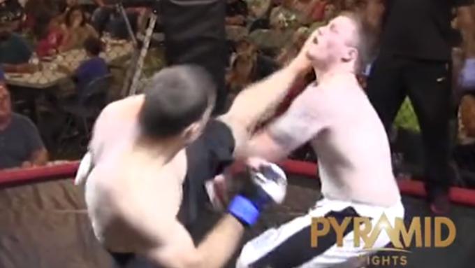 Боец MMA нокаутировал конкурента первым ударом на 4-ой секунде боя