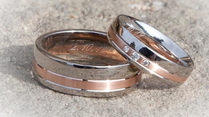 В Великобритании для умирающего отрака мужчины засутки организовали свадьбу