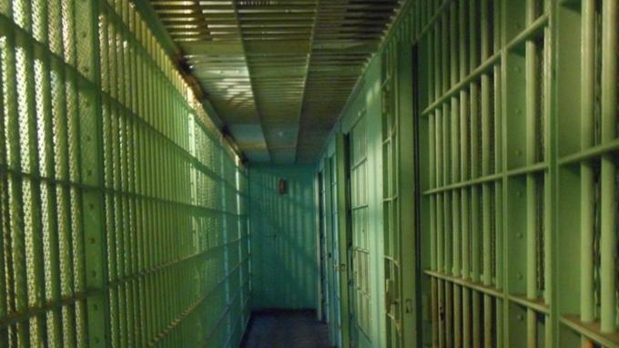 Задушивший всю свою семью мужчина получил пожизненный срок