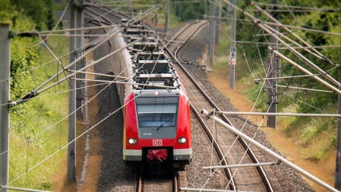 Мужчина устроил пожар ввагоне высокоскоростного  поезда вЯпонии