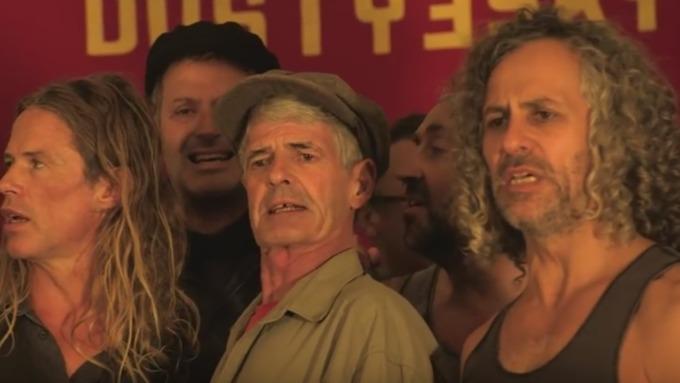 «Красная армия всех сильней»: австралийский хор покорил сеть песнями СССР