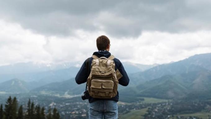 Разыскиваются туристы на заработную плату в2,5 тысячи евро вмесяц