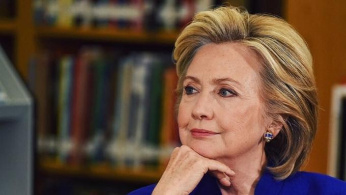 Клинтон пошутила, что Трамп отправил в социальная сеть Twitter «тайное письмо русским»