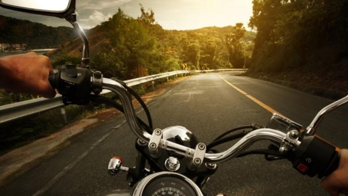 Натрассе под Барнаулом мотоциклист «взял натаран» «КамАЗ»