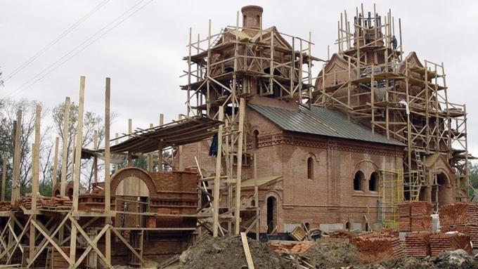 Патриарх Кирилл объявил онедостаточном количестве новых храмов в столице