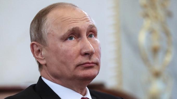 Путин прокомментировал слова Клинтон, которая сравнила его сГитлером
