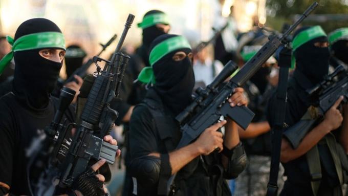 AP: лидерыИГ бежали изРакки иМосула всирийский Эль-Маядин
