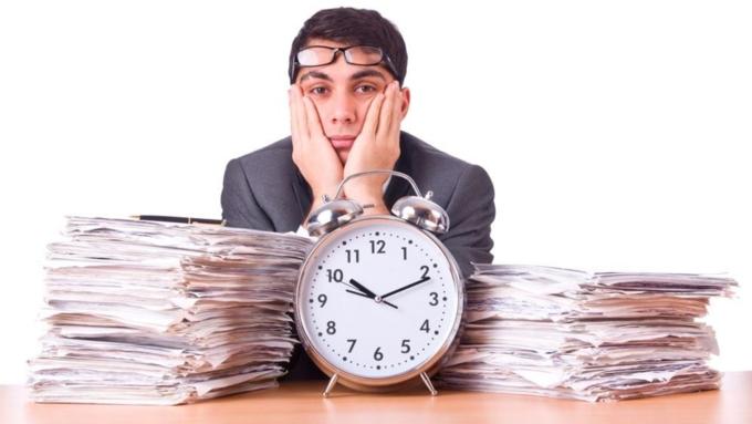 86% барнаульцев признались, что часто задерживаются наработе
