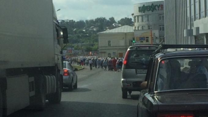 Крестный ход наАлтае: 2000 паломников, 200 километров, автомобильные пробки