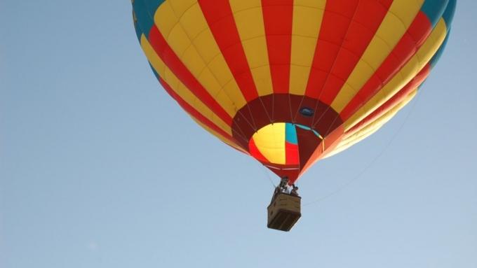 Воздушный шар упал в водоем саллигаторами вСША