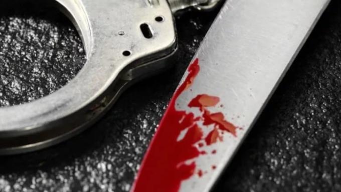 НаАлтае нетрезвая женщина убила мужа, воткнув ему кухонный нож вгрудь