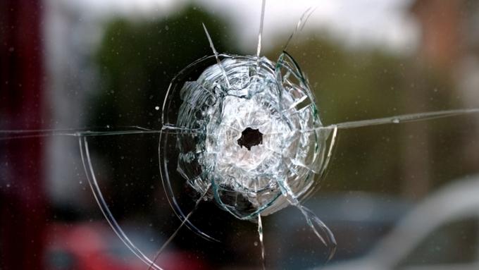 Ростовский полицейский расстрелял вмашине бывшую супругу иранил ееотца
