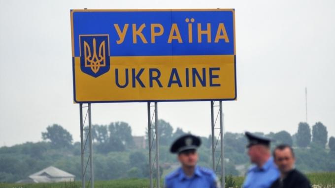 Суд согласился оставить под стражей задержанных около Крыма русских таможен ...