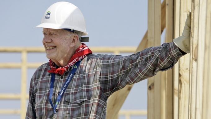 Экс-президент США Джимми Картер попал в клинику