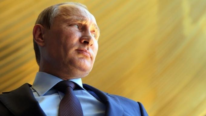 Путин поддержал идею бесплатного обучения стройотрядовцев