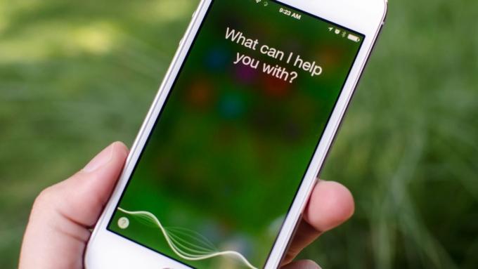 Виртуальный помощник Siri является небезопасной для Сбербанка иТинькофф-банка