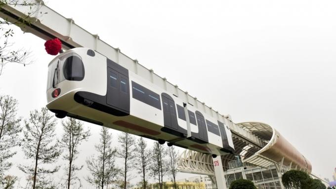 Подвесной «небесный поезд» удачно протестировали в КНР изасняли навидео