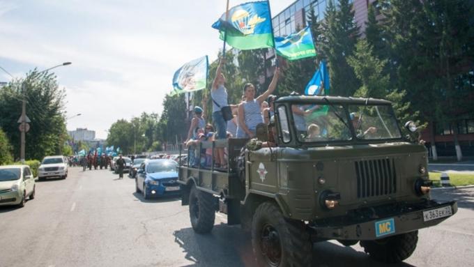 Сегодня день воздушно десантных войск— самых почитаемых иэлитарных подразделений русской армии