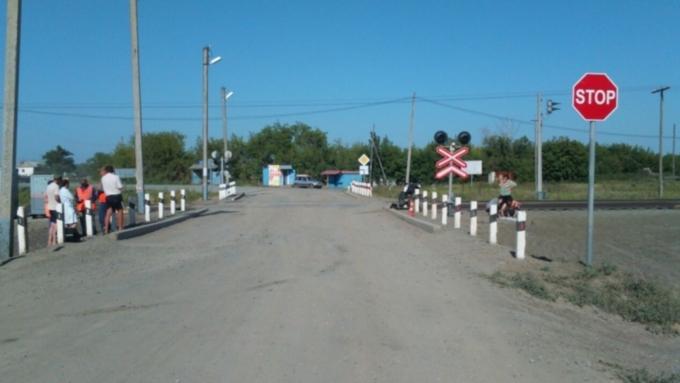Мотоциклист врезался впоезд вНовосибирской области