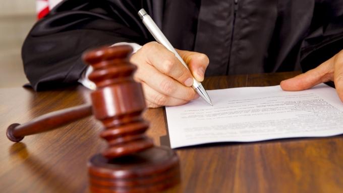 Гражданин Алтайского края осужден закражу денежных средств умалолетнего сына