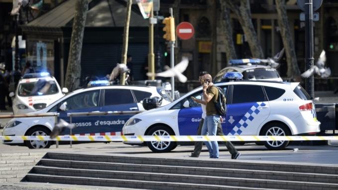 Милиция подтвердила связь между терактами вБарселоне иКамбрильсе