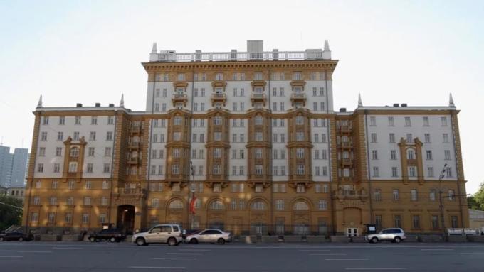 Посольство США приостановит выдачу неиммиграционных виз в российских регионах