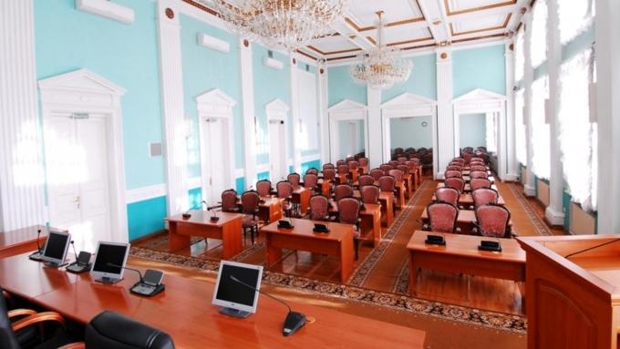 Омские чиновники и народные избранники своей работой наносят вред бюджету