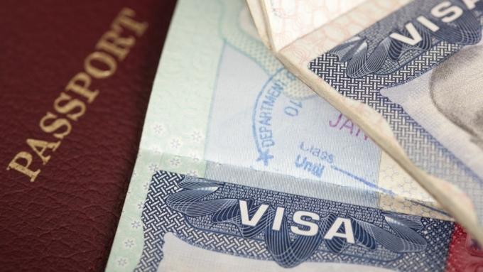 Граждане РФ смогут получать визу вСША зарубежом