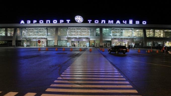 Перекрытие парковки ваэропорту Толмачево новосибирцы связали сугрозой минирования