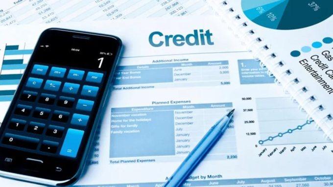 Внынешнем году молодёжь стала чаще брать кредитные карты