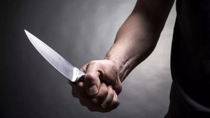 НаСреднем Урале мужчина зарезал четырех человек: его задерживали сострельбой