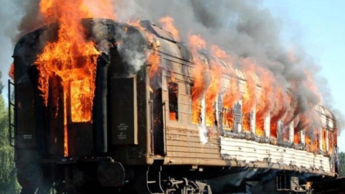 Напожаре нажелезнодорожной станции в столицеРФ погибли два человека