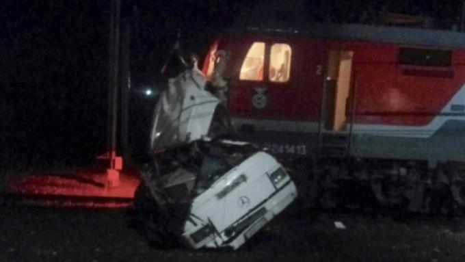 МЖД: Автобус, столкнувшийся споездом под Владимиром, заглох напереезде