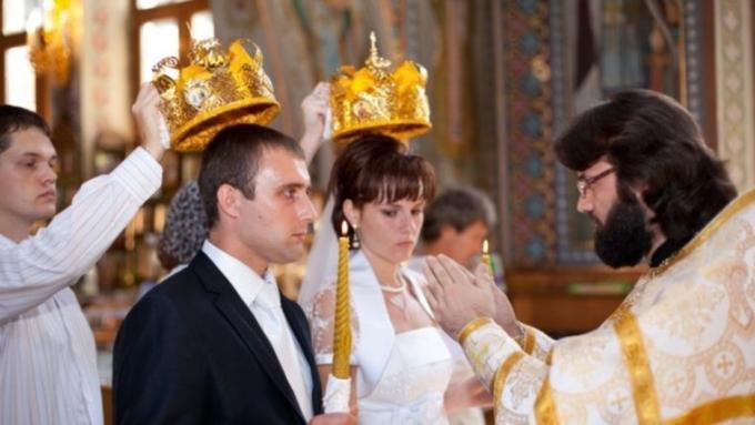 В государственной думе хотят придать венчанию юридическую силу