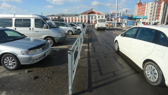 Первую платную парковку для авто открыли вБарнауле