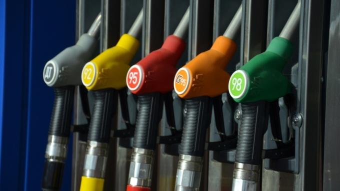 Специалисты: вСаратовской области упал вцене бензин