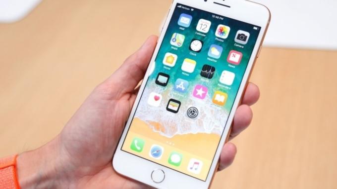 Распродажа iPhone 8 и8 Plus: владельцы «восьмерок» хотят приобрести iPhone X