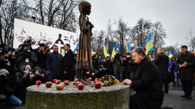 Порошенко предложил ввести ответственность заотрицание голодомора